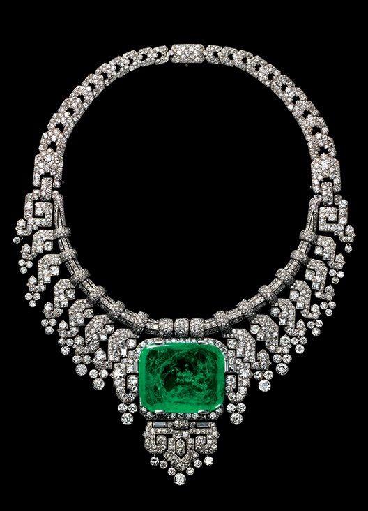 CARTIER.Luxury Royal Necklace in Platinum & Emeralds. Luxury #Emeralds #diamonds La Dolce Vita | Classy & Fabulous.#Jewels #luxury #gemstones #bracelets #emeralds #NYRockPhotoGirl ✿ڿڰۣ♥♥• #luxury #luxury #luxury
