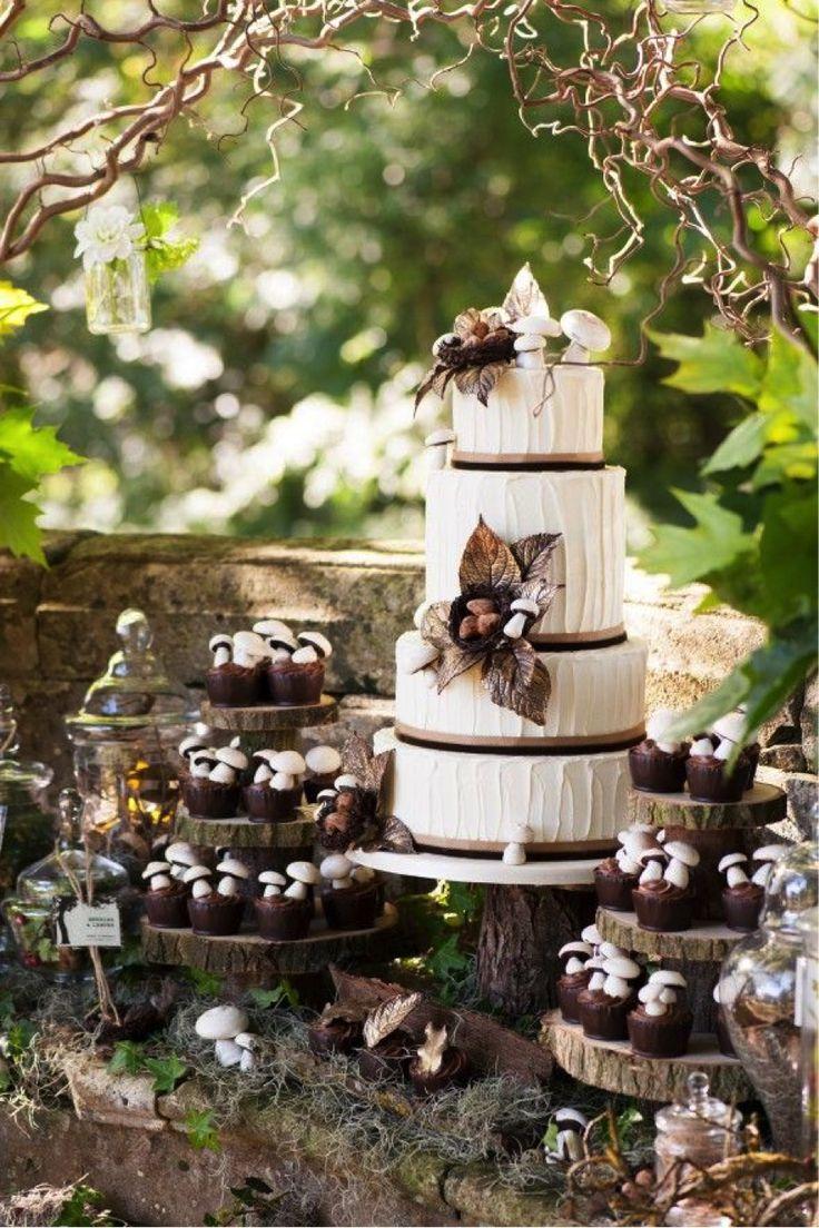 ガーデンウェディングにピッタリ!個性的な結婚式のウェディングケーキまとめ一覧♡