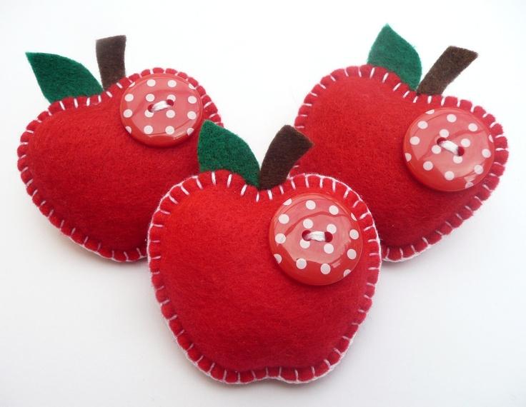 Juicy Apple Felt Brooch/Pin - lovely teacher gift