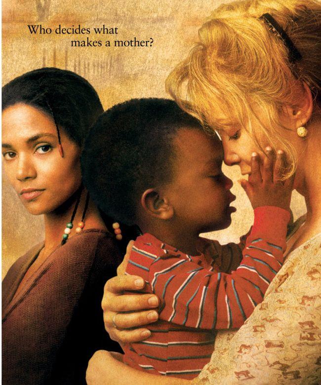 Destino de uma vida (Losing Isaiah, 1995) é um daqueles dramalhões que te prendem do início ao fim. O longa conta a história de Khaila (Halle Berry), uma viciada em drogas que abandona o filho em um lixão. Por sorte, o garoto é salvo e vai parar no hospital. Lá, a assistente social Margaret (Jessica Lange) emocionalmente abalada pelo caso, decide adotá-lo. Passam-se dois anos, Khaila se reabilita e descobre que o filho, o pequeno Isaiah está vivo e então, decide recorrer à justiça por sua…