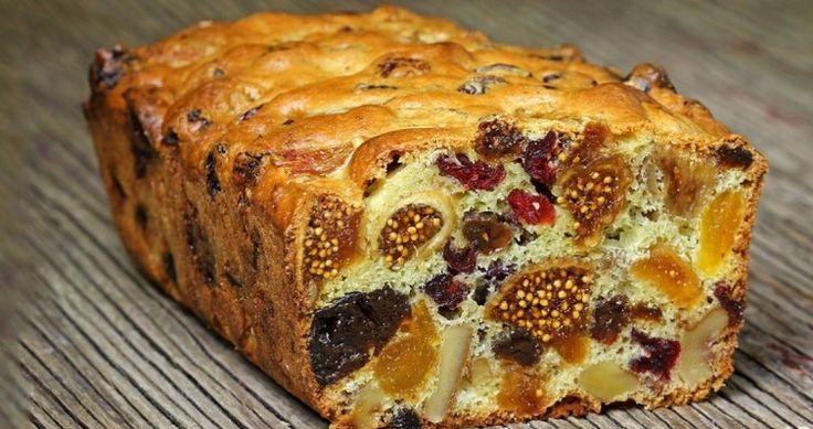 Το Απολαυστικό κέικ με τα αποξηραμένα φρούτα που έχει προκαλέσει φρενίτιδα – σκίζει και σε γεύση και σε εμφάνιση!
