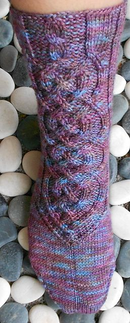 Felia Socks (3 sizes) pattern with chart in german and english by Michaela Orth