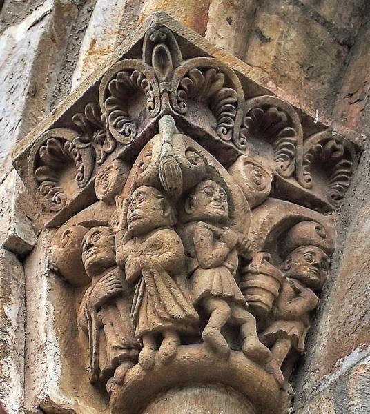 Capitel con constructores - Silió, Iglesia de San Facundo y San Primitivo, Cantabria