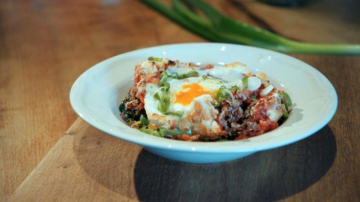 Ovenschotel met rode quinoa, ei en spinazie | VTM Koken