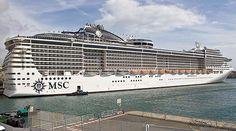 O MSC Preziosa é um dos três navios que a MSC Cruzeiros trará ao Brasil nesta temporada. Um dos destaques deste é o toboágua que margeia a parte de fora do navio! (foto: Franz Neumeier)