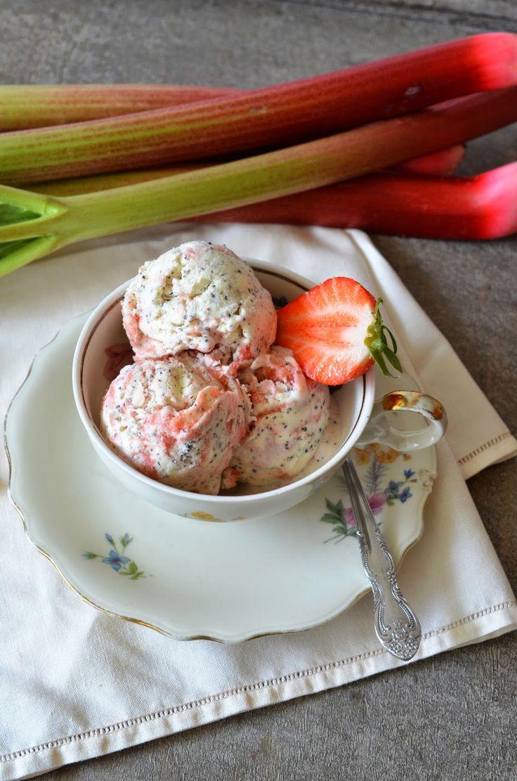Ninas kleiner Food-Blog: Themenwoche: Erdbeer-Rhabarber-Mohn-Eis (ohne Eismaschine)