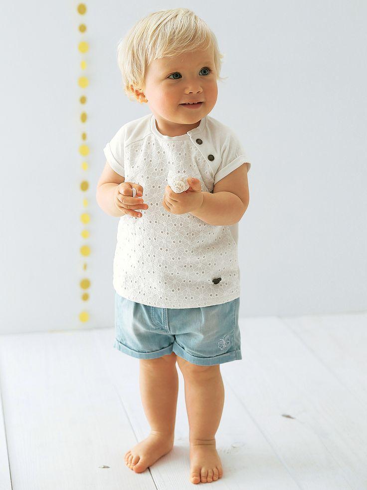 Short en jean bébé fille denim bleached - Un essentiel de leur dressing facile à enfiler, qui dit mieux ?  www.vertbaudet.fr / collection Printemps-Été 2017
