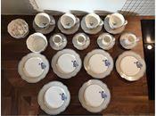 Porcelæn, Kop, Lisbeth Dahl, 24 dele i alt.   4 x kop med underkop til cappuchino / americano 4 x kop med underkop til espresso / cotardo  2 x skåle jeg har brugt dem til sukker 6 x kagetallerkener   Sælges helst samlet.  Prisen opgivet i annoncen er ca. 60% fra butiksprisen.  Pris fra ny samlet ca 1.980kr   Polka prikker  Sølv Guld Striber Blå grå Blomster motiv Piget uden at være overdrevet sukkersødt.   Kig forbi og se det an.