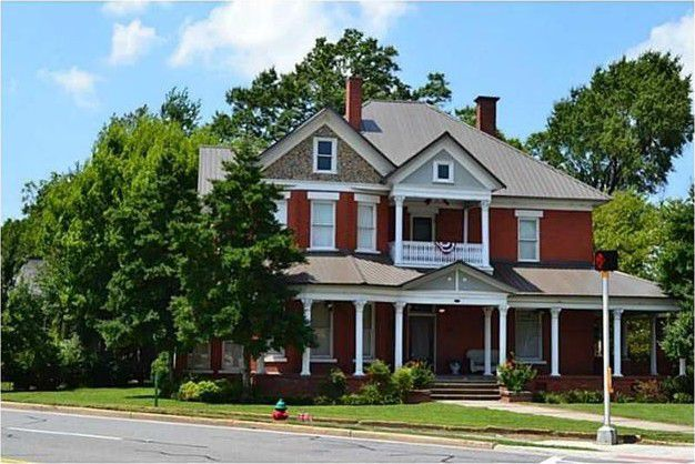 Happy Home Investor Calhoun Ga Possible 47 000 Profit With Images House Styles Home House