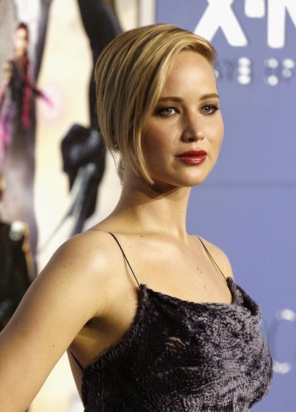Hacker Releases Nude Photos Of Jennifer Lawrence