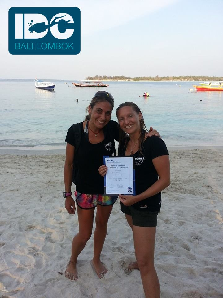 Isa with our first IDC student Julie on the day of her Instructor Examination