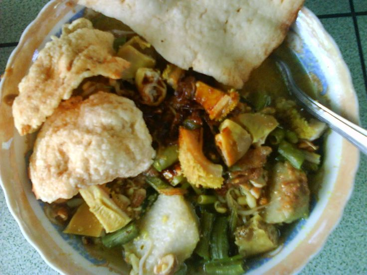 Makanan khas kota Banyuwangi - Rujak Soto
