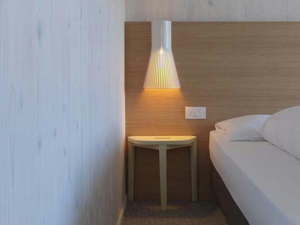 Applique fait main SECTO 4231 Collection Secto by Secto Design | design Seppo Koho