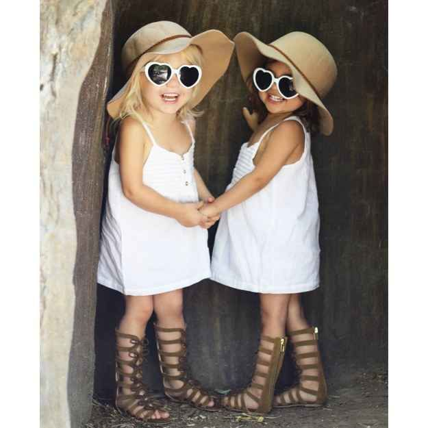 These two pint-size cuties have a huge fashion following.