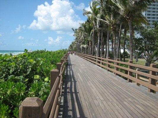 Fan photo of the boardwalk behind Fontainebleau Miami Beach.