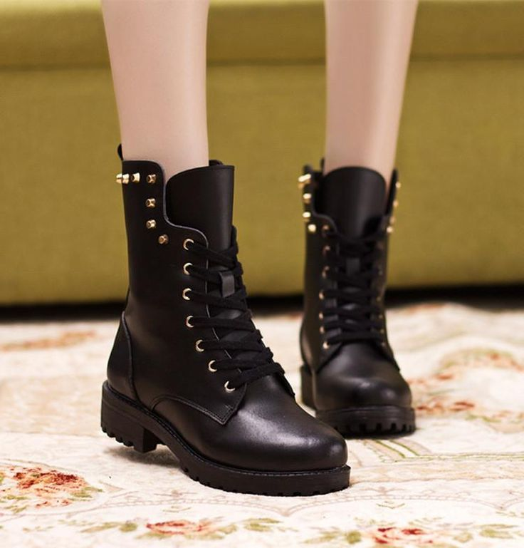 British Leisure Rivet Leather Martin Boots  #boots #shoeslove #shoesoftheday #shoesparty #streetfashion #winteroutfit #fashionlover #shoes #wintershoes #winter
