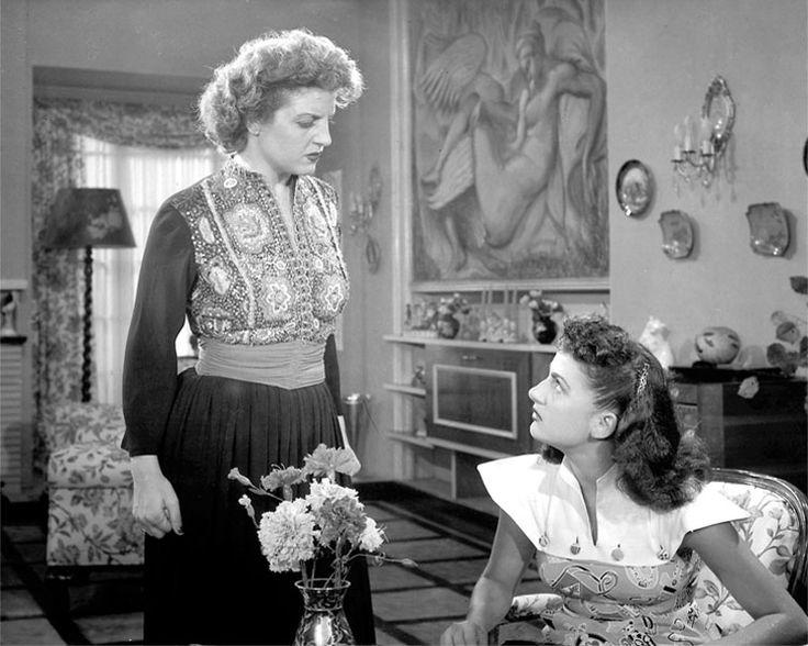 Finos Film - Photo Gallery Ταινίας: 'Εκείνες Που Δεν Πρέπει Να Αγαπούν' (1951)