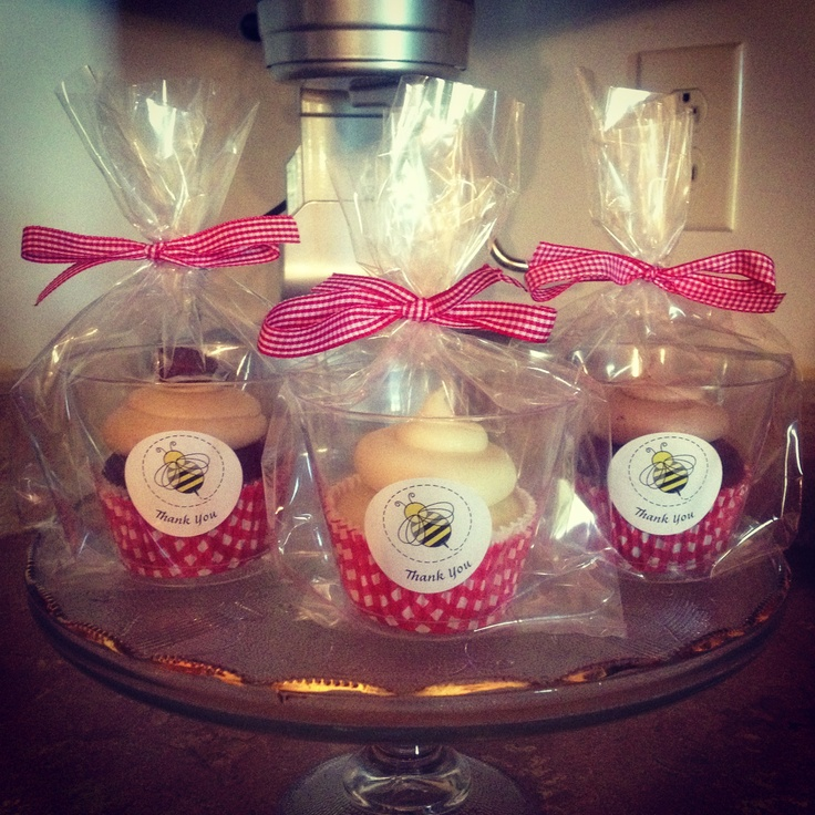 Teacher/staff Appreciation Day Cupcakes. Picnic Theme. :0