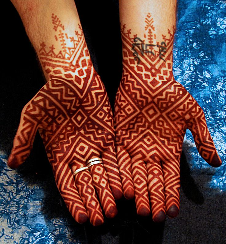 moroccan henna... OMG!! cry me a river!! i want it!!! <3 <3 <3