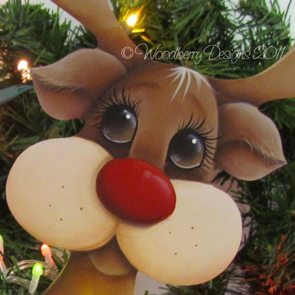 Shabby Art Boutique. Rudolph tole paint. - Inspired to use as cut out of plywood then paint. To make three dimential, cut circles independently and glue onto face, then antlers, and maybe ears.........