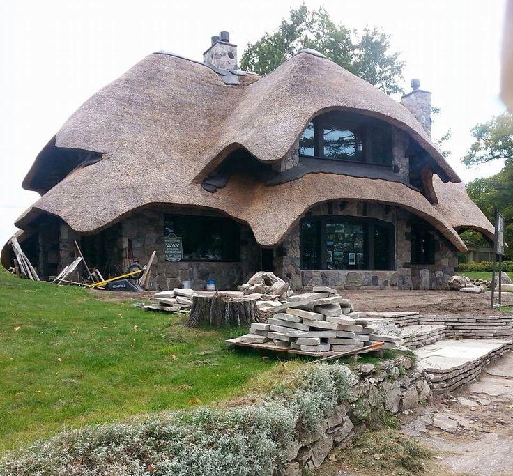 Good Earl Youngu0027s Mushroom Houses In Charlevoix, ...