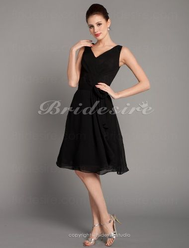 A-linje Chiffong Knälång V-ringad brudtärna klänning - $84.99