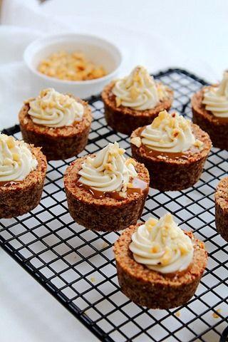 ... caramel white chocolate cream hazelnut cookie cups ...