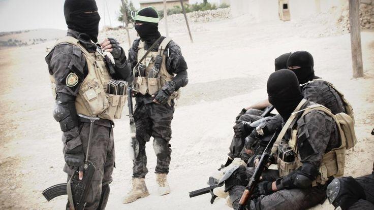 Сирия сегодня: САА продвигается к оплоту ИГ в Алеппо, атака боевиков в Латакии, курды в Ракке https://riafan.ru/794046-siriya-segodnya-saa-prodvigaetsya-k-oplotu-ig-v-aleppo-ataka-boevikov-v-latakii-kurdy-v-rakke
