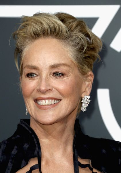 Sharon Stone Messy Cut - Sharon Stone looked punky with her mussed-up 'do at the 2018 Golden Globes.
