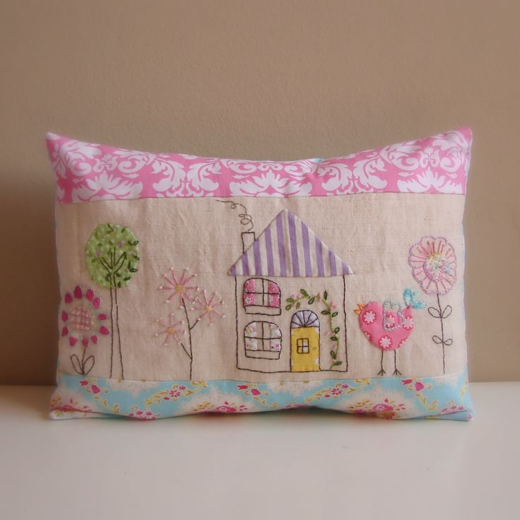 Roxy Creations: Cushion bird house applique embroidery