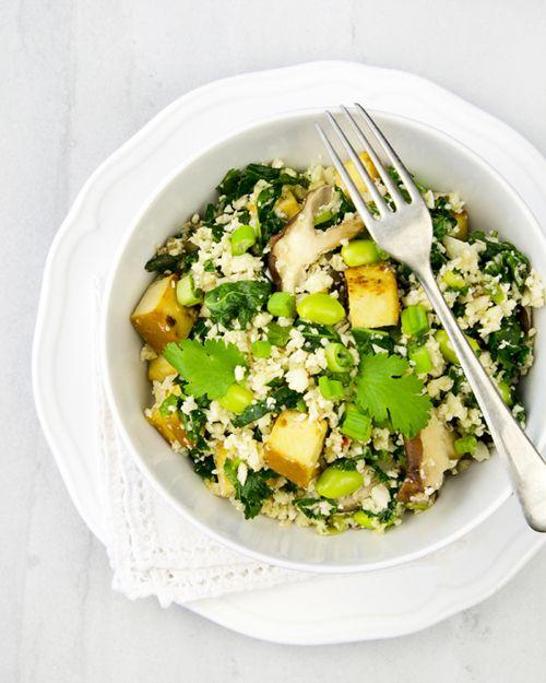 Cauliflower Fried Rice- With edamame, kale, shiitake mushrooms and smoked tofu! #vegan
