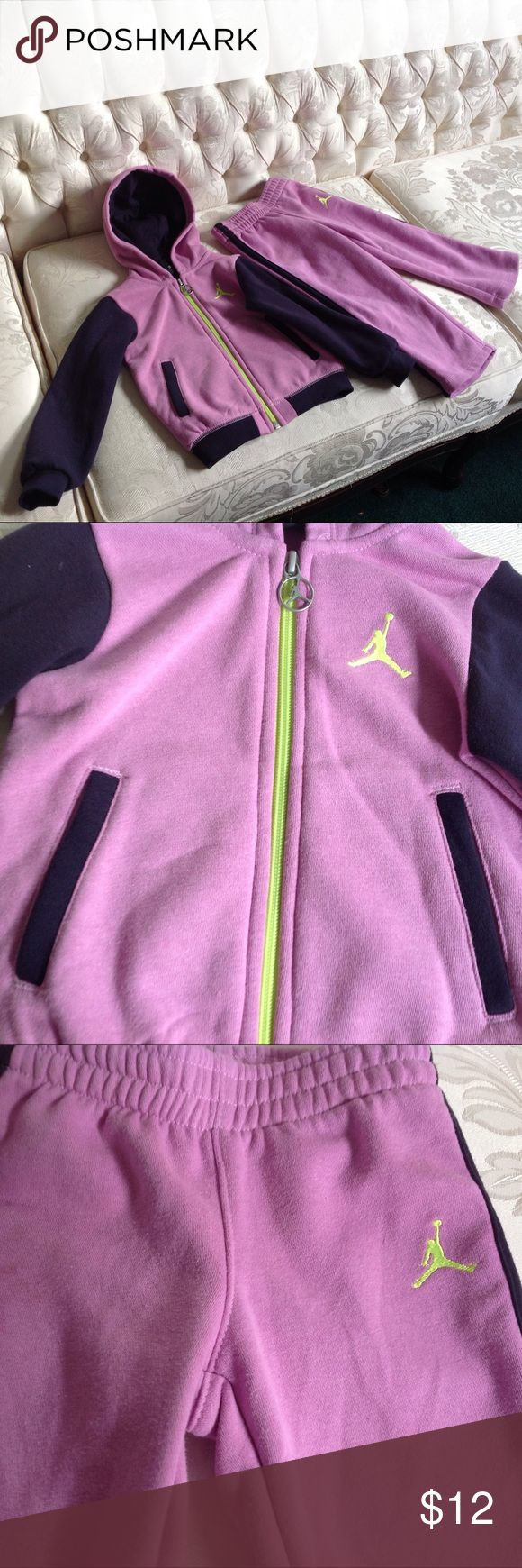 TODDLER NIKE JOGGING SUIT TODDLER NIKE JOGGING SUIT, SIZE 2T Nike Matching Sets