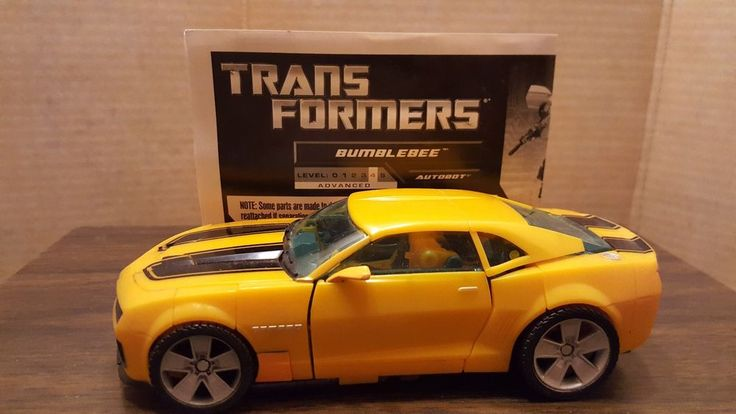 Dreamworks Hasbro Transformers Bumblebee 2010 W/ Instructions #Hasbro