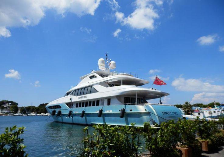#Superyacht Sweet Doll in the Port of #Ischia #yachting #yachtsinischia
