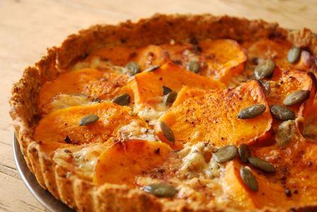 tarte butternut gorgonzola Clea Cuisine Testé avec un potimarron et avec des noisettes à la place des graines de courge.. Délicieux !
