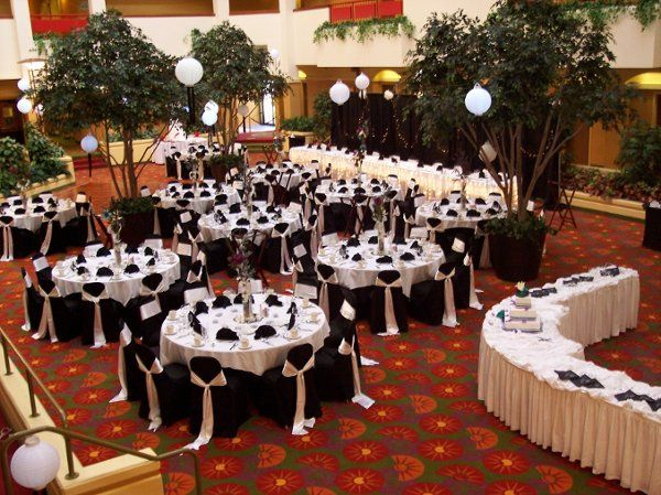 378 best black white weddings images on pinterest black for Black and white reception tables