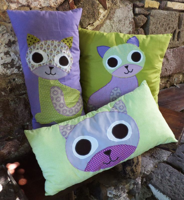 I love cats Cushions