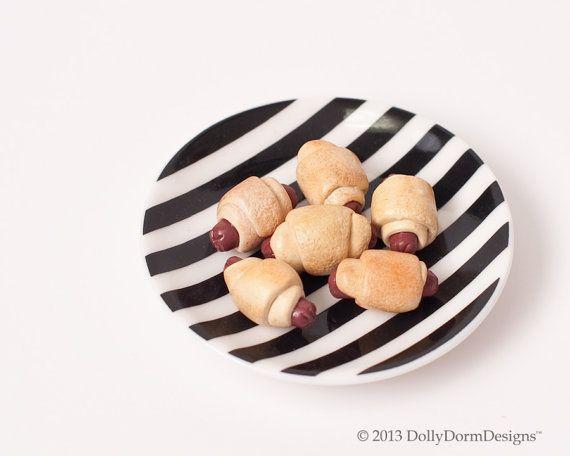 Pigs In A Blanket  American Girl Doll Food by DollyDormDesigns, $7.00