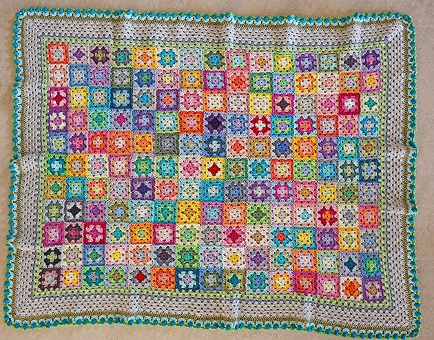Mo sells the pattern & kits to make this colourful cotton blanket - Bloom Blanket @ CrochetObjet