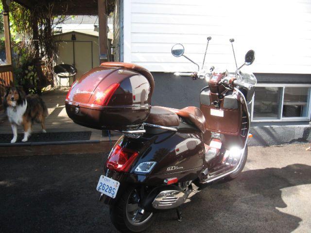 piaggio Vespa  gtv 300cc 2011 automatic. - http://www.gezn.com/piaggio-vespa-gtv-300cc-2011-automatic.html