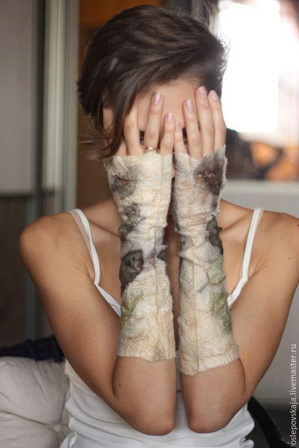 Варежки, митенки, перчатки ручной работы. Высокие войлочные митенки Летний ветер. Мысли о войлоке (Катерина Семенова). Ярмарка Мастеров.