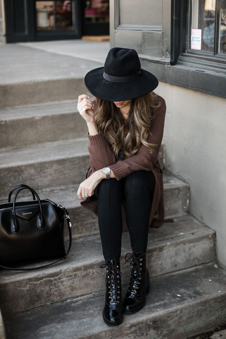 My Favorite Way to Wear Black Leggings | The Teacher Diva: a Dallas Fashion Blog featuring Beauty & Lifestyle