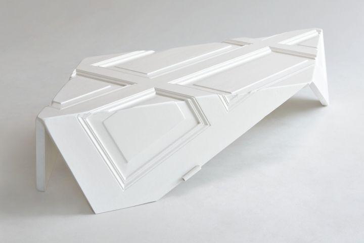 Креативный стол из двери от дизайнера YoracoGonzalez
