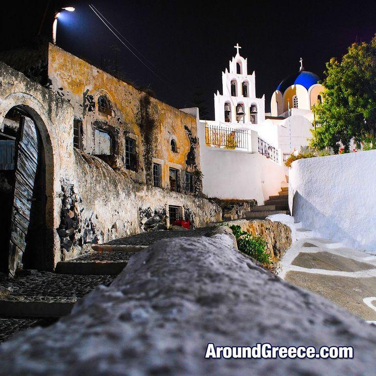 Summer nights in Santorini  #Santorini #Greece #GreekIslands #holidays #tourism #travel #vacations #summernights #aroundgreece #visitgreece #Σαντορινη #Ελλαδα #ΕλληνικαΝησια #διακοπες #ταξιδια