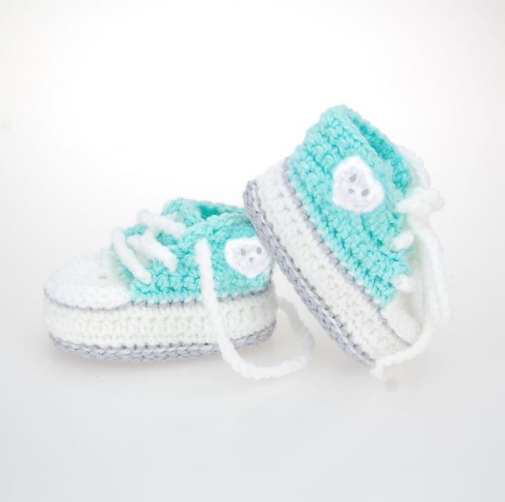 ► Geburtsgeschenk◄ Babysöckchen Chucks, Windeltorte Babybär, Babyschuhe, Geschenk zur Geburt, Taufgeschenk, Geburtsgeschenk kaufen