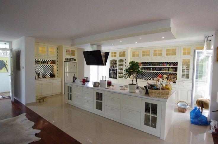 Dom w Izabelinie - Rad-Pol – Meble włoskie, meble stylowe, klasyczne meble retro, tkaniny dekoracyjne