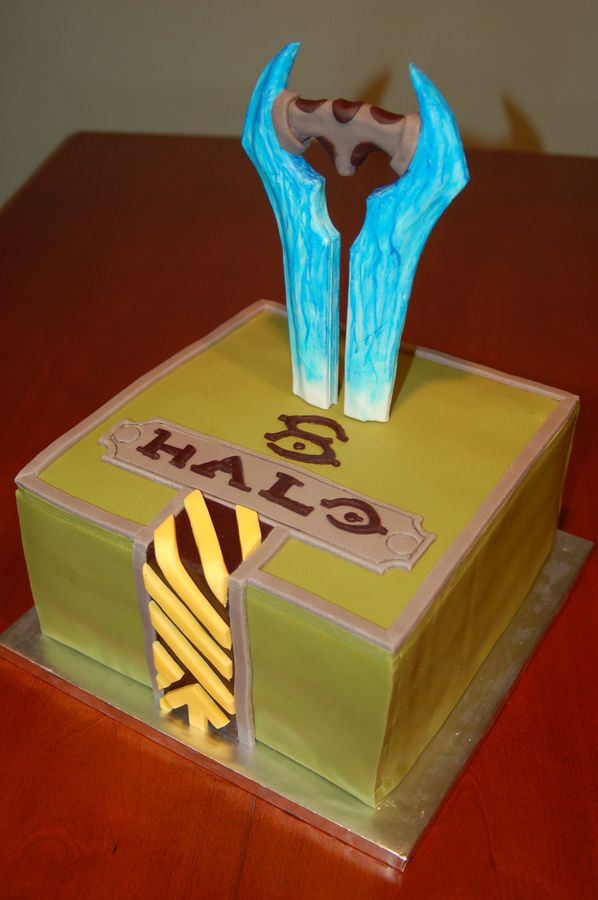 halo cakes for boys | HALO themed birthday cake for an 8 yr old boy. He likes the energy ...
