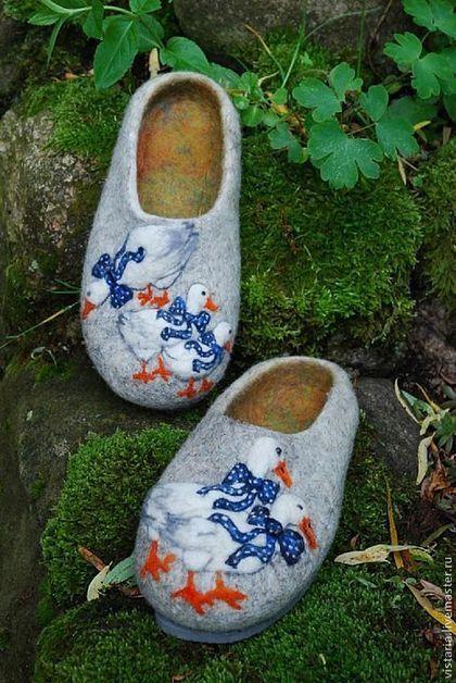 Обувь ручной работы. Ярмарка Мастеров - ручная работа Тапочки «С приветом из Праги». Handmade.
