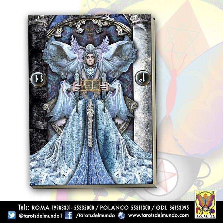 Grimorio con portada del #Tarot Illuminati.
