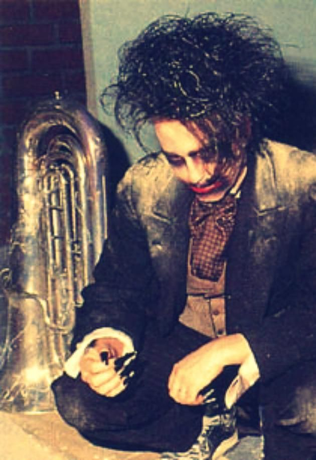 Robert Smith...I wish I could be Mary Poole so I can call him my husband! So hot!!!~m
